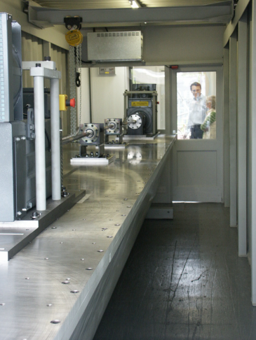 Self-contained Rotational Endurance Test Machine for Areospace Drive Shafts